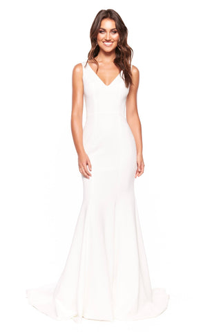 A&N Luxe Makayla - White V-Neck Open Back Mermaid Gown