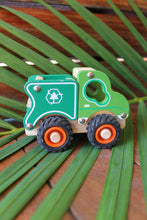 WOODEN RECYCLE TRUCK