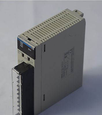 CS1W-MAD44 OMRON CS1 MAD44 PLC ANALOGUE 4IN / 4OUT 1-5V / 4-20mA, 0-5V, 0-10V