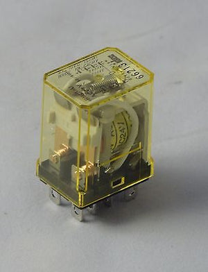 RH2B-U-AC24 Lot of 10 -  IDEC RELAY RH2B COIL 24VAC