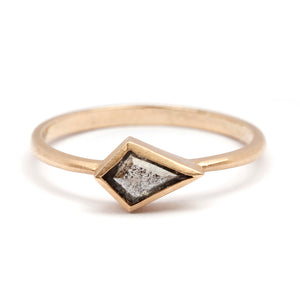 Horizontal Grey Diamond Kite Ring