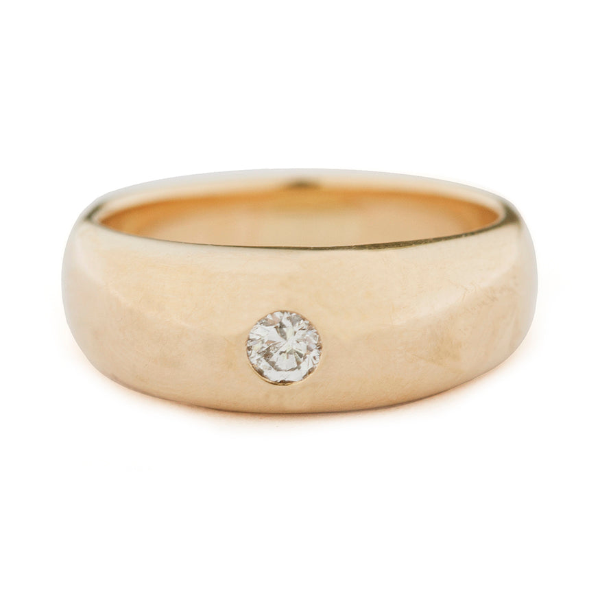 Gold Tapered Ring With Diamond