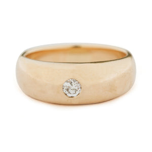 Tapered Ring With Diamond