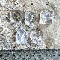Raw Apophyllite Quartz Necklace - One of a Kind piece for men and women - Giardinoblu Jewellery Milan