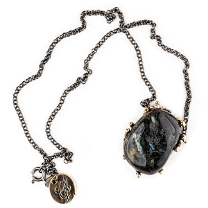 Nuummite (from Greenland) Necklace - Jewel for spiritual healing - Giardinoblu