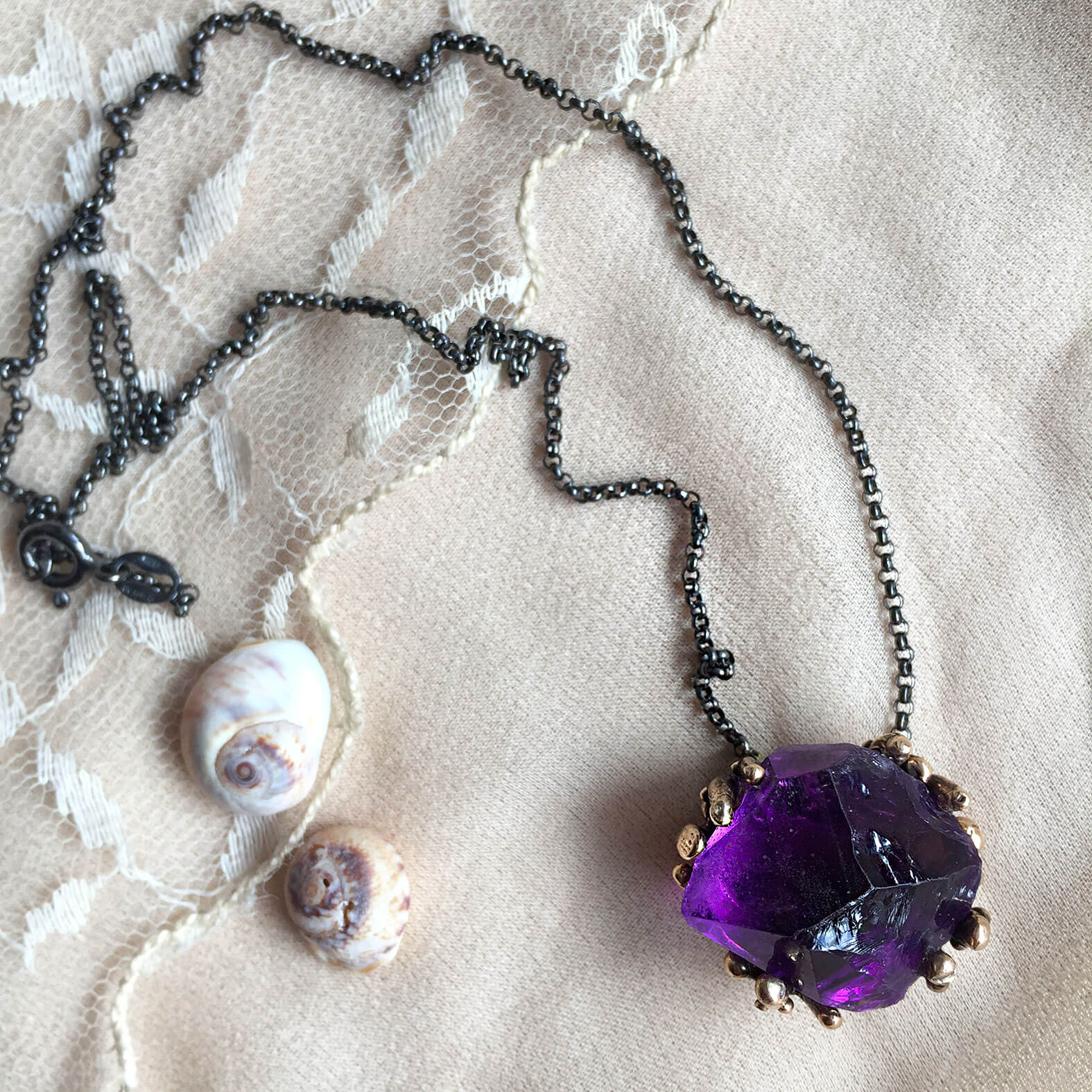 Healing Crystal necklace with top Quaity Amethyst to manifest intuition