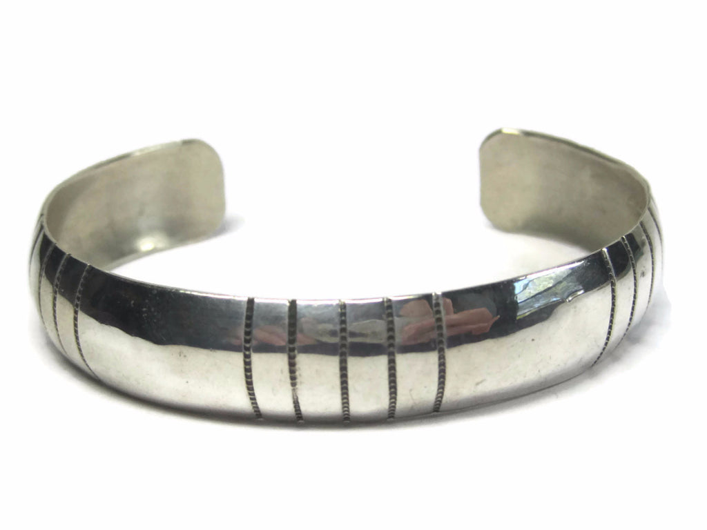 Simple Vintage Navajo Cuff Bracelet Sterling 6.5 Inches Tracy Family - Bejeweled Emporium - 1