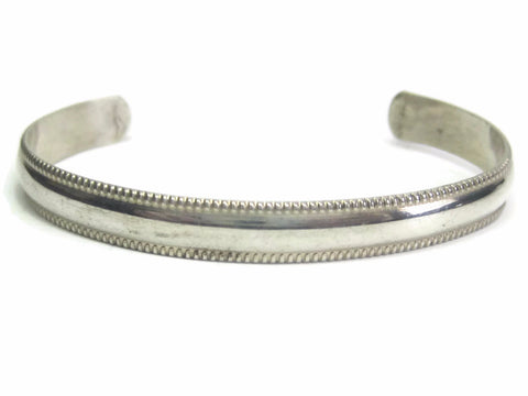 Small Simple Vintage Sterling Navajo Cuff Bracelet 5 Inches