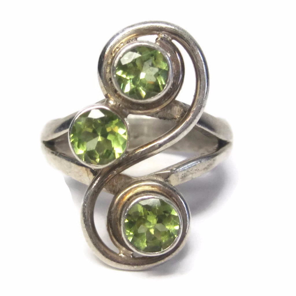 Vintage 1.5 Carat 3 Stone Peridot Ring Sterling Size 8 - Bejeweled Emporium - 1