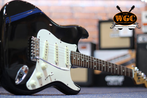 Squier Stratocaster Korean 1988 Black Pre-Used - Worcester Guitar Centre Guitar Shop - 1