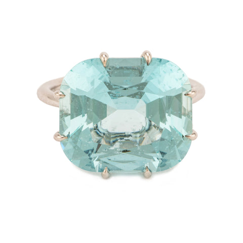 Winter i aquamarine ring