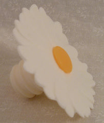 Daisy Bottle Stopper - White