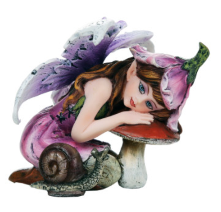 Kneeling Fae Small Fairy