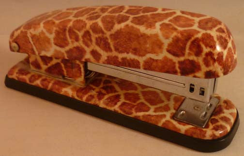 Pretty Tools Stapler - Giraffe - Fig Design - Jules Enchanting Gifts
