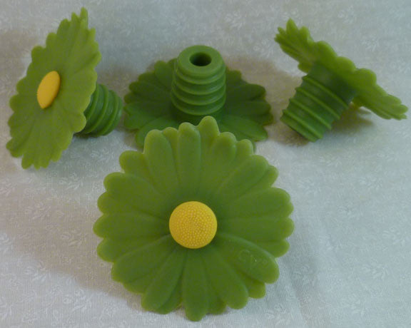 Daisy Bottle Stopper - Green - Charles Viancin - Jules Enchanting Gifts