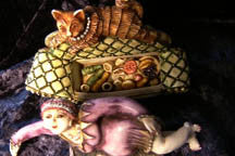 Mme. Kiki & Cat - Harmony Kingdom - Jules Enchanting Gifts