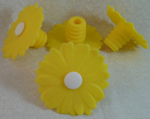 Daisy Bottle Stopper - Yellow - Charles Viancin - Jules Enchanting Gifts