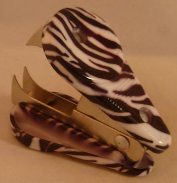 Pretty Tools Staple Remover - Zebra - Fig Design - Jules Enchanting Gifts