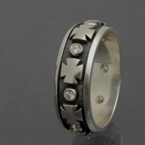Sterling silver wedding band with templar cross