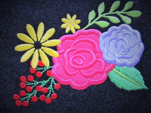 2 Delicate Shabby chic roses applique awesome unique embroidery designs
