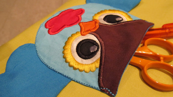 Owl with wings pockets in the hoop and applique