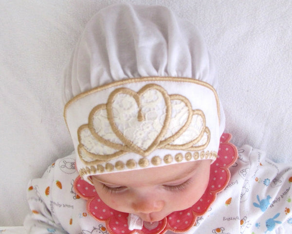 Comfortable and Beautiful Baby Bonnets