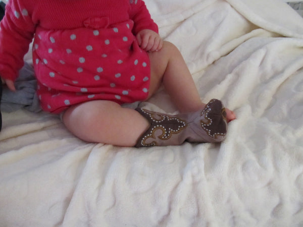 New ultimate designed Baby Cowboy boots - In the hoop project