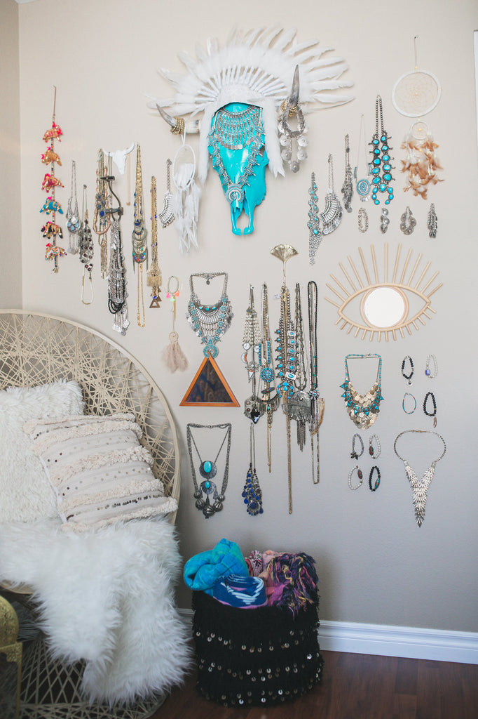 How I turned a Bedroom into a Jewelry Showroom