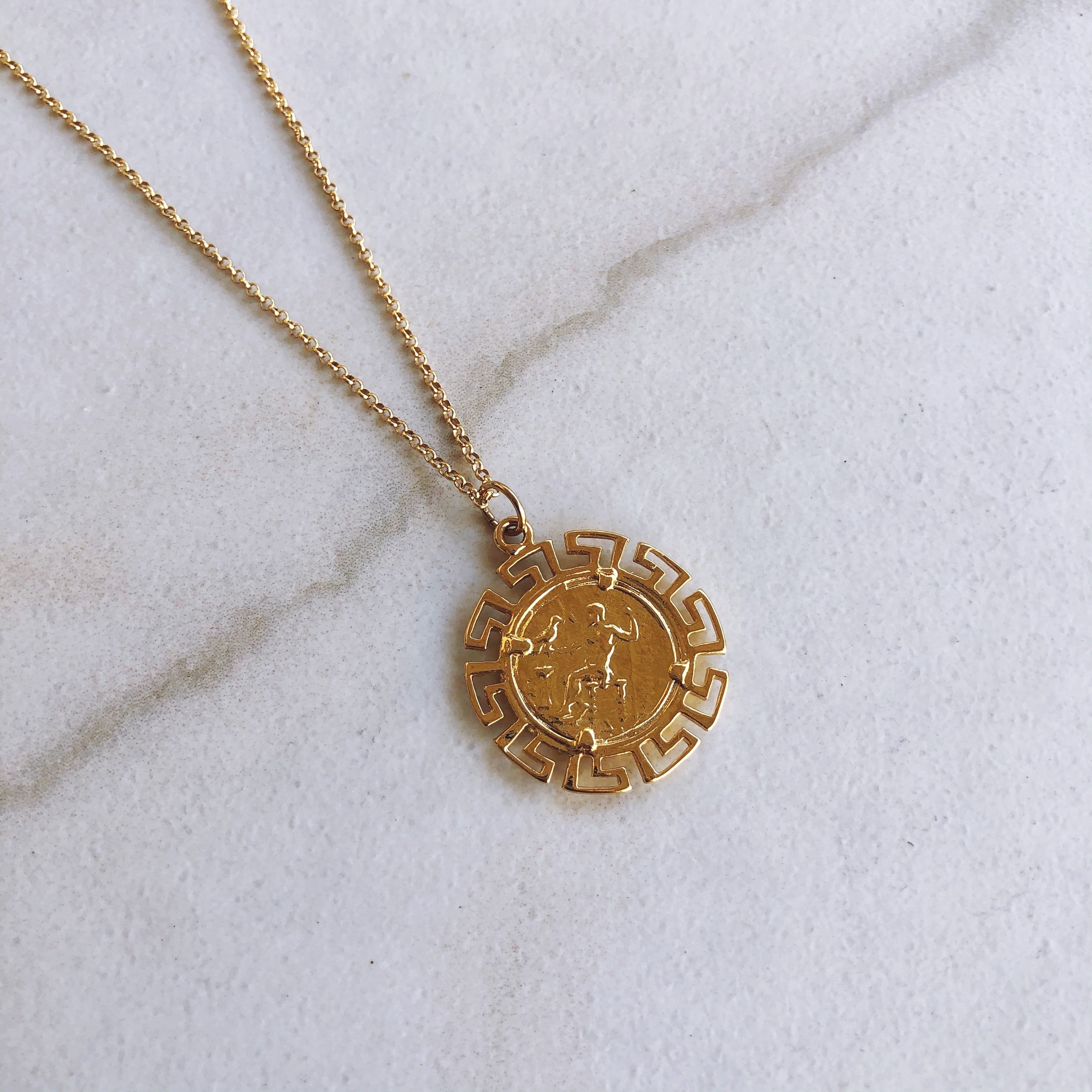 Cleo Pendant Necklace