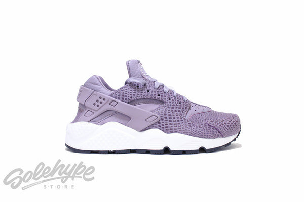 NIKE WOMENS AIR HUARACHE PRINT PURPLE SMOKE SAIL ANTRACITE WMNS 725076 501