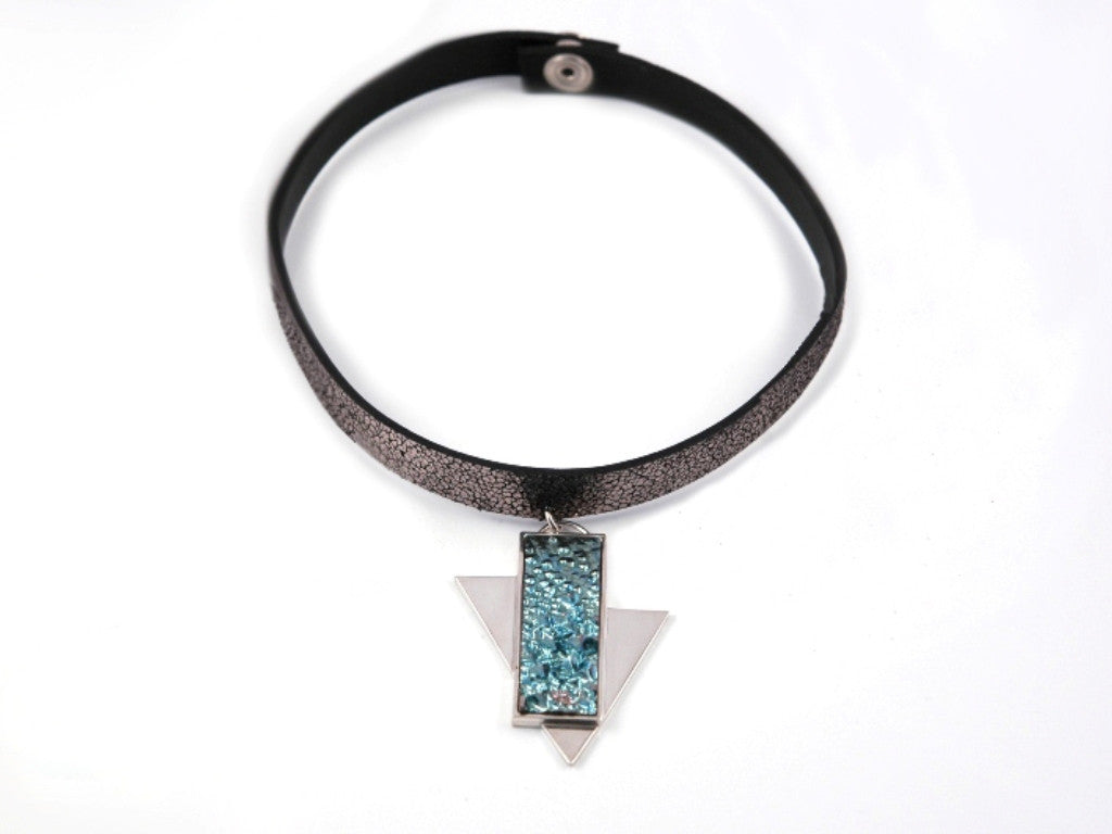 Blue Arrow chocker