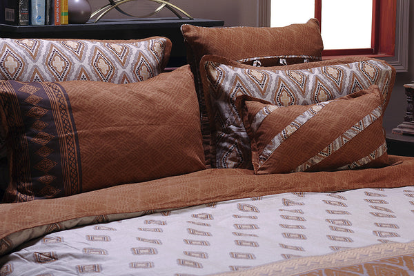 Golden Glow T-200 Cushion Cover