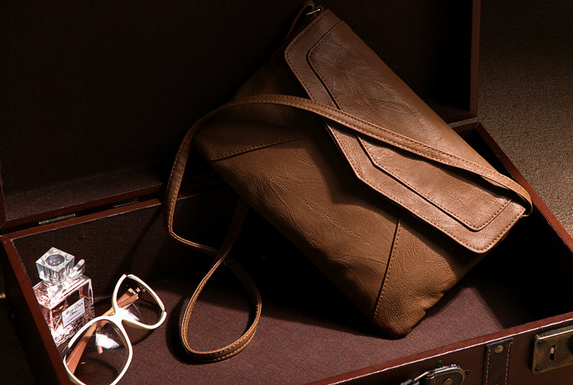 Women's Leather Envelope Shoulder Crossbody Bag