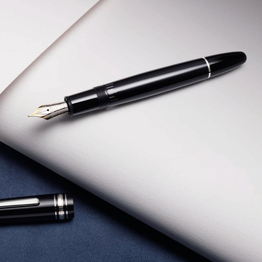 https://cdn.shopify.com/s/files/1/0900/8770/files/Montblanc-Meisterstuck-Fuller-1.jpg?17006889457454093340