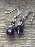 Boucles d'oreilles cristaux tcheques amethyste mauve,  billes couleur mauve, earrings silver ball whit peace of amethyste - Petit Luxe Boutique