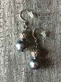 Chic earrings pearl tone champagne gold, chic and delicate bride earrings or 5-7 or soecial event jewelry