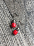 Red candy earrings Boucles d'oreilles rouges boule métallique red earrings metal ball