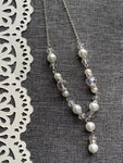 Chic white ball and pearl necklace chic silver metal alloy