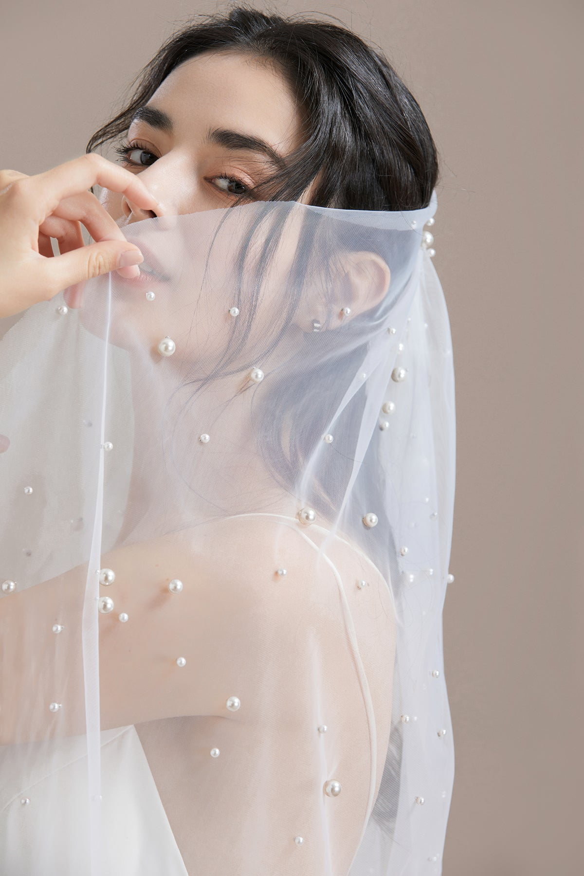 Delicate Pearls Scattered Elbow Veil with Comb