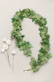 6ft Seeded Eucalyptus and Rose Leaf Garland with 5pcs Roses