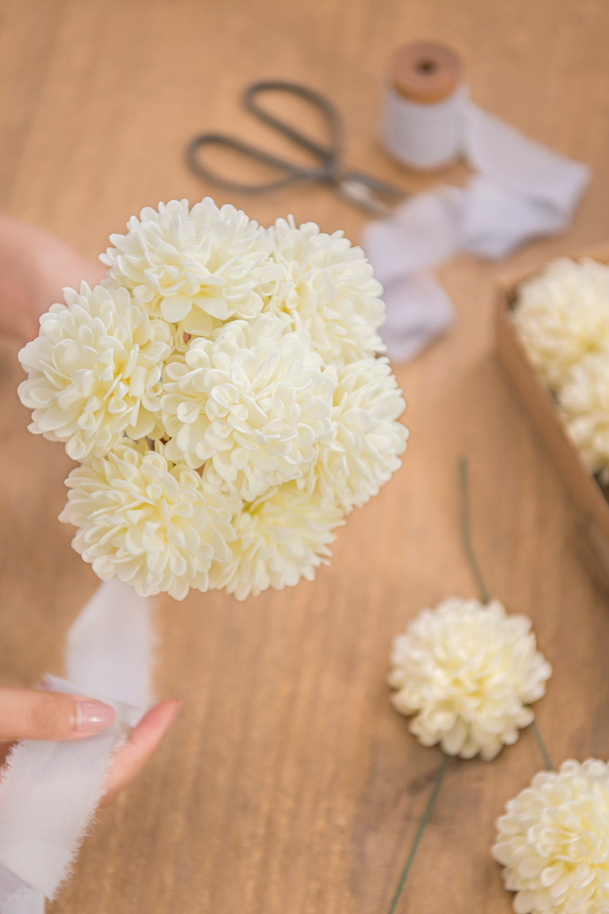 25pcs Foam Dahlia Flower with Stem - 13 Colors - Ling's moment