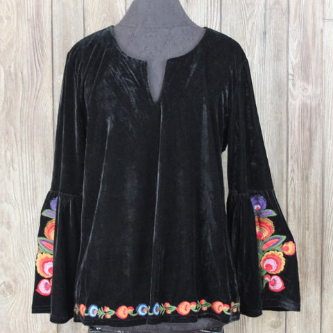 Adorable New Solitaire Blouse M L size Black Embroidered Bell Sleeve Top Hippy Boho