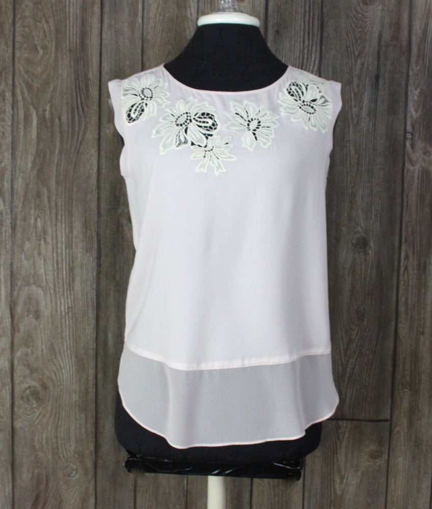 New Ann Taylor Blouse XS size Pink Ivory Embroidered Cutout
