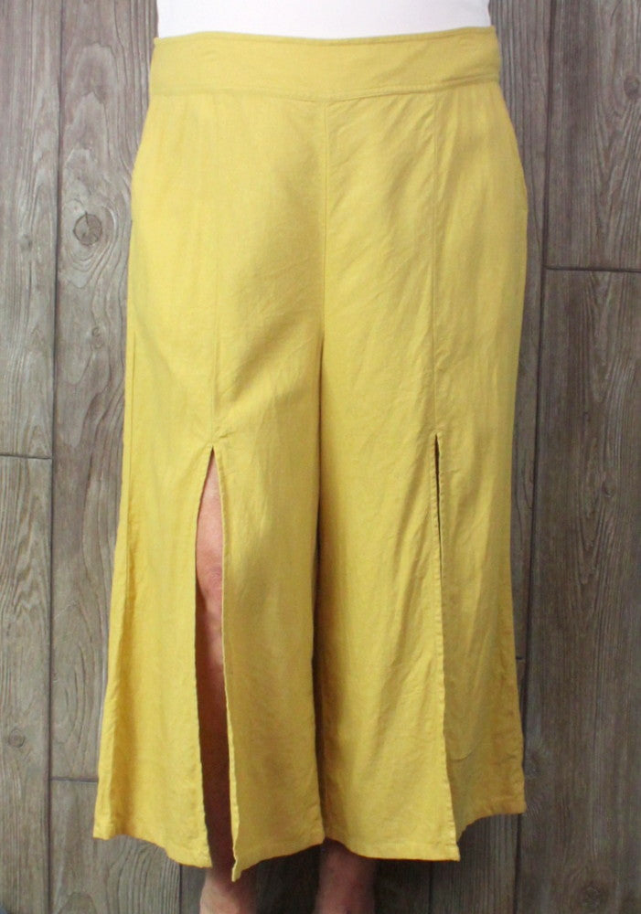 Cute BP XXL size Split Let Capri Goucho Pant Wide Leg Mustard Yellow