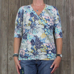 CAbi Stretch Top L sz Blue Multi Color Floral Blouse Womens Ruched
