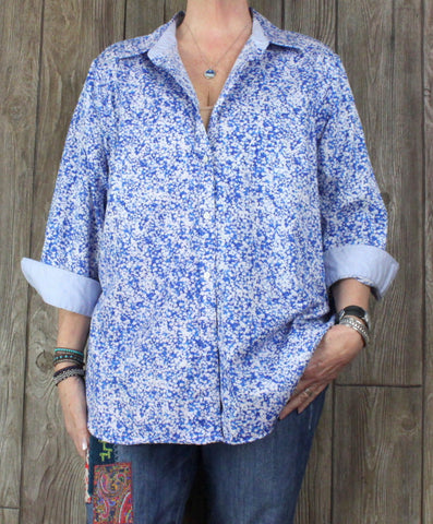 Chaps Blouse 2x size Blue White Floral Top Womens No Iron Plus Cotton Shirt
