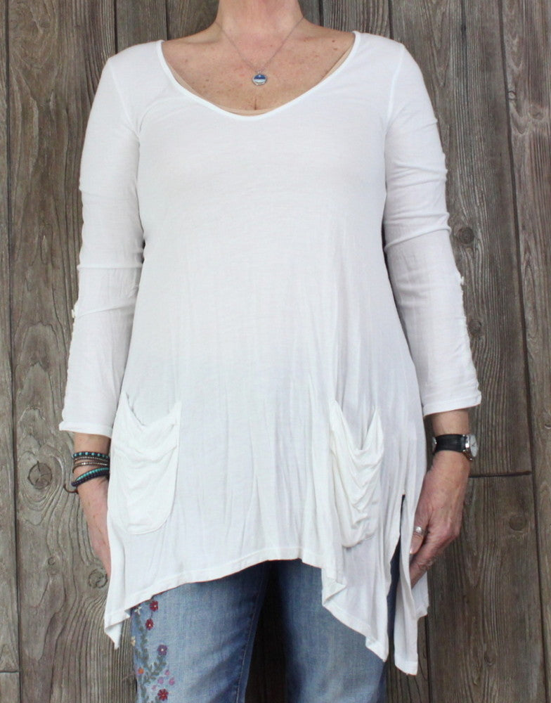 Cute Ella Moss L size Tunic Top White Front Pockets and Longer sides