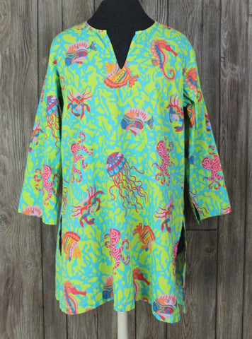 Cute Gretchen Scott Blouse M size Beach Theme Blue Green Fish Crabs Seahorse