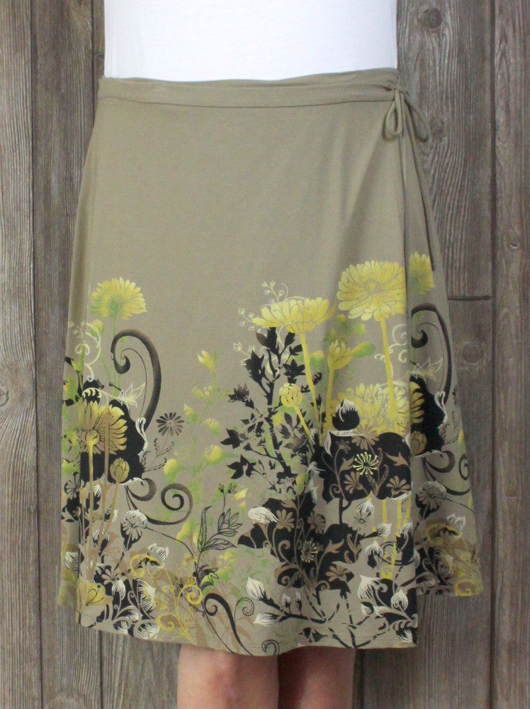 Jill Wrap Skirt M Petite MP size Beige Olive Green Black Floral Stretch Womens