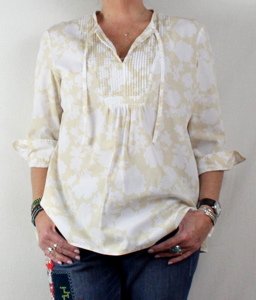 Summer Comfort With This Lightweight Loose Fitting  Lands End L 14 16 Tunic Top Beige White Floral Pintuck Pleat Cotton - Jamies Closet - 1